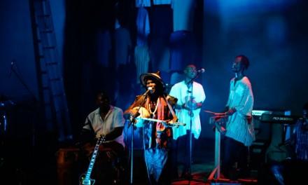 Photos: Kyekyeku headlines concert @ Alliance Francaise