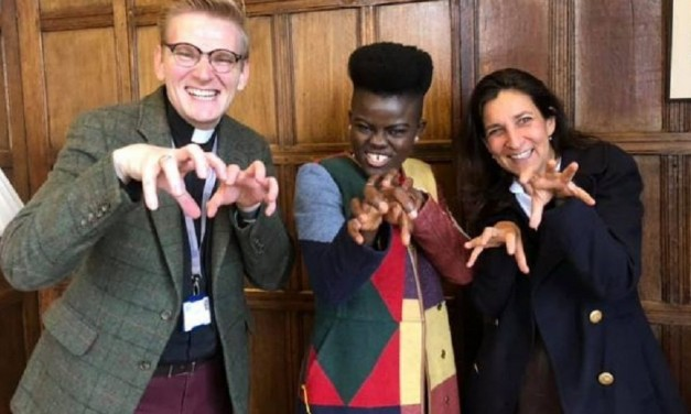 WATCH: WIYAALA'S UK FUNDRAISER FOR GHANA TEACHING PROGRAMME